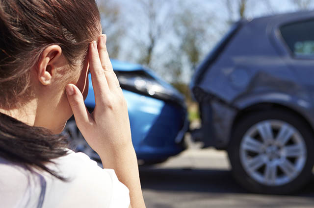 A primeira coisa a fazer para acionar o seguro do carro é registrar um Boletim de Ocorrência