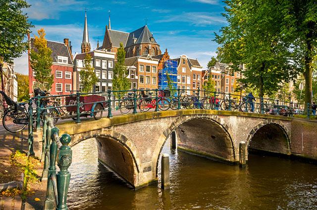 A Reguliersgracht é um dos logradouros mais bonitos do mundo