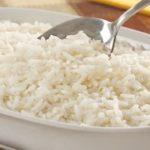 Veja como fazer arroz branco soltinho e gostoso
