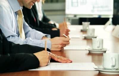 Aprenda como fazer atas de reuniões