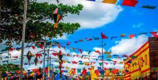 Bandeiras e balões: veja como fazer uma decoração junina