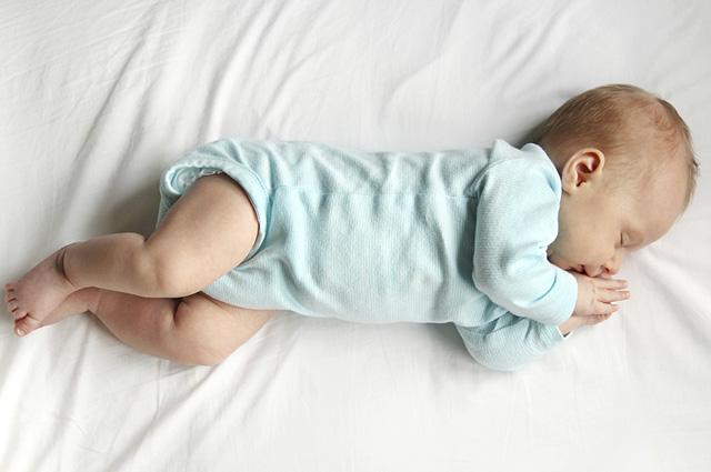 Essa oração protege seu bebê do mau olhado e das energias negativas