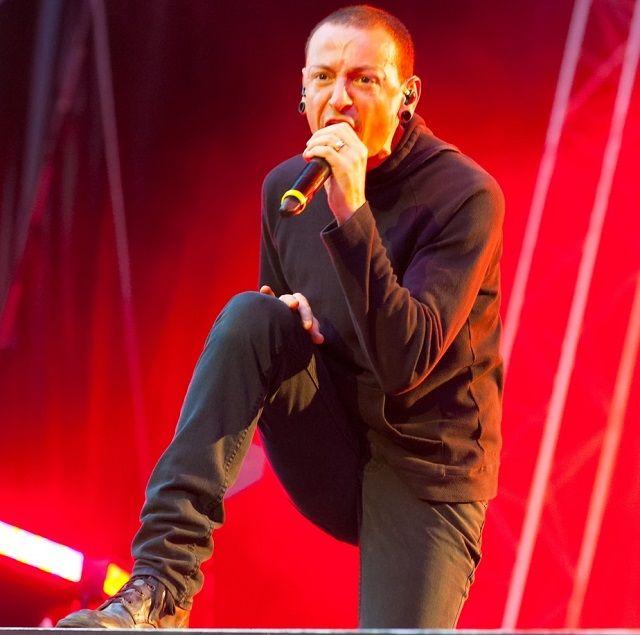 Biografia: A vida de Chester Bennington, o vocalista da Banda Linkin Park