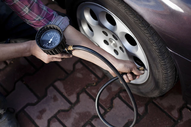 Pneus descalibrados faz com que o carro consuma mais combustível