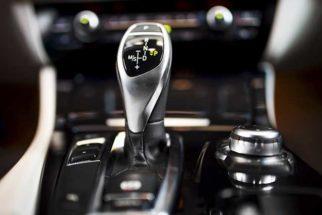Como economizar combustível com câmbio automático