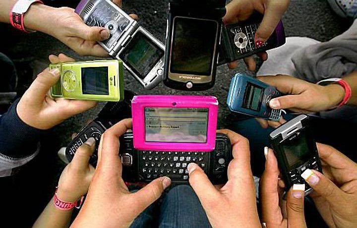 Sonhos com celular