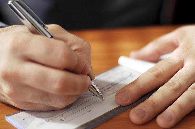 Se o cheque foi devolvido, é preciso procurar a  agência para dar baixa no documento