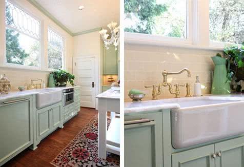 Cozinha com cores claras