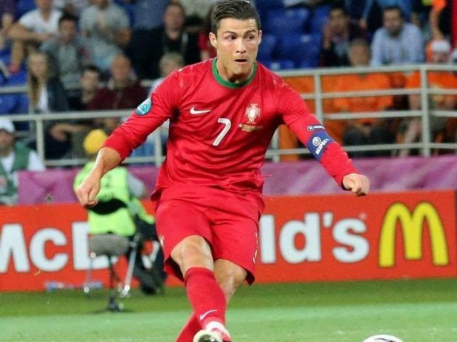 Cristiano jogando na seleção de Portugal