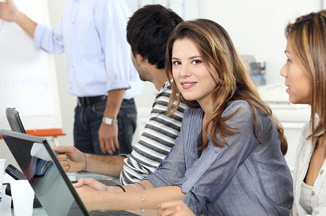 Os cursos profissionalizantes vão desde a iniciação até a pós-graduação tecnológica