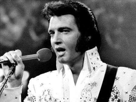 Elvis Cantando