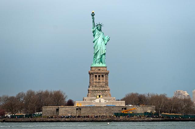 Imagem panorâmica da Estátua da Liberdade