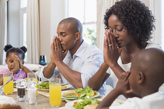 Com devoção é possível conseguir a paz no lar tão almejada pelas famílias