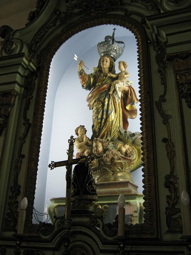 Imagem de Nossa Senhora da Conceição em sacristia de igreja