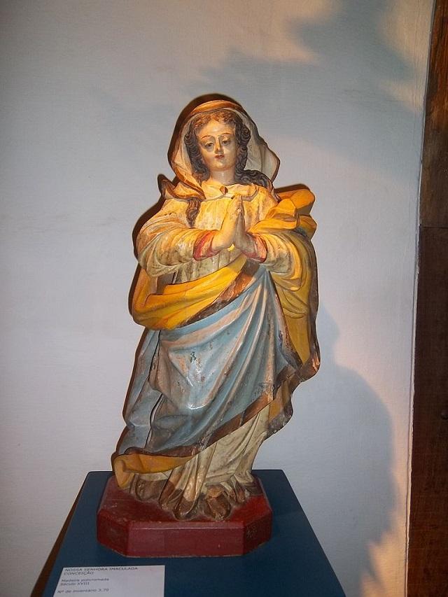 Foto de pequena imagem de Nossa Senhora da Conceição