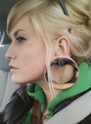 Fotos de orelhas com alargadores