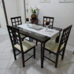 Mesa de jantar simples