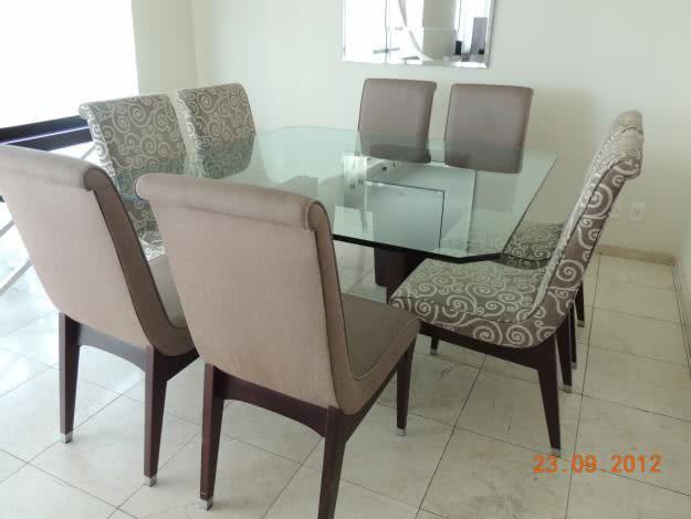 Mesa de jantar quadrada for Modelos de mesas cuadradas