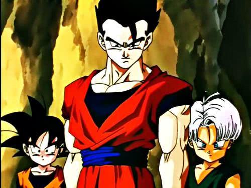 Goten e Gohan, filhos de Goku; e Trunks, filho de Vegeta