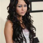 Fotos e vídeos da cantora Miley Cyrus (fumando?)