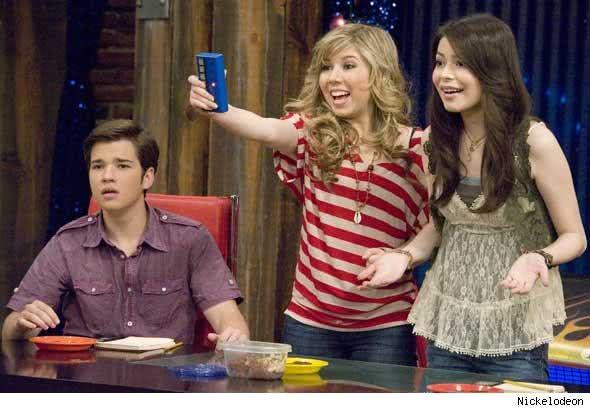 Freddie, Sam e Carly