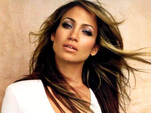Jennifer Lopez - Famosos do signo de leão