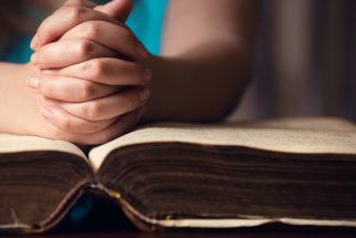 Qual o menor livro da bíblia? Descubra!