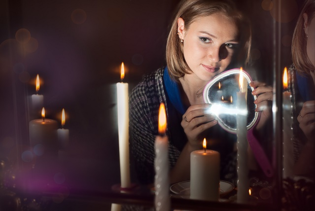 Mulher fazendo mágia
