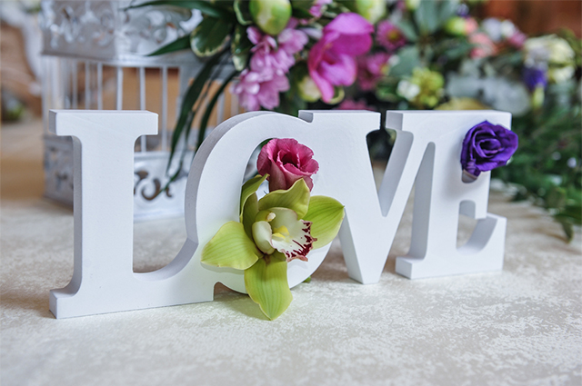 Mesa clássica em noivado tem um charme e elegância incomparáveis
