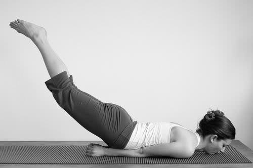 Exercício – Salabhasana
