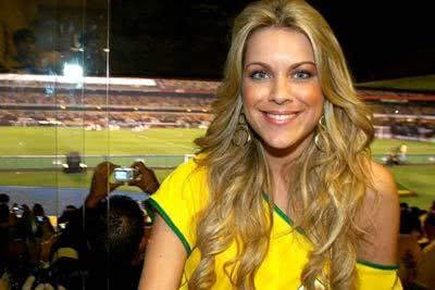 Foto dela no jogo do Brasil
