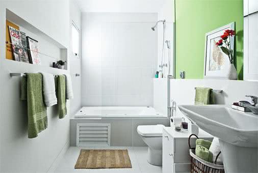 Piso e parede de banheiro