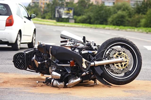 Os valores cobrados por cobertura de seguro para moto variam de acordo com o modelo e ano