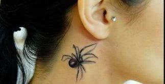 Sem medo da tatuagem de aranha! Parecem até vivas nas fotos!