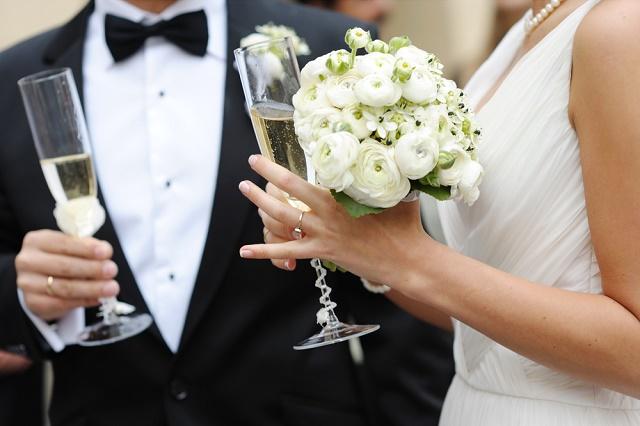 Casal com champanhe
