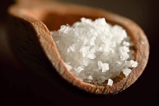 Simpatias com sal grosso
