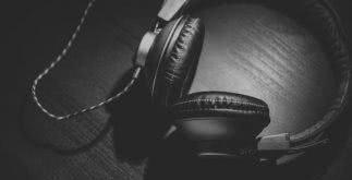 Sonhar com fones de ouvido