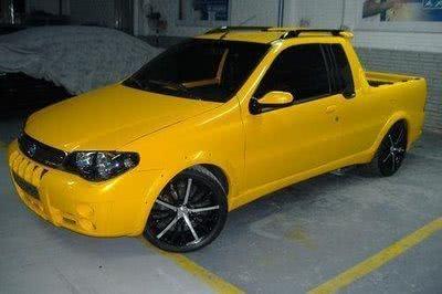 Fiat Strada Amarela