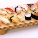 Vídeo ensinando como fazer sushi em casa – no passo a passo