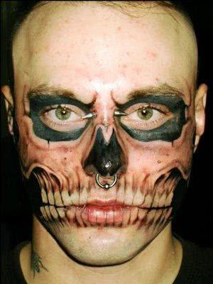 Tatuagem no rosto