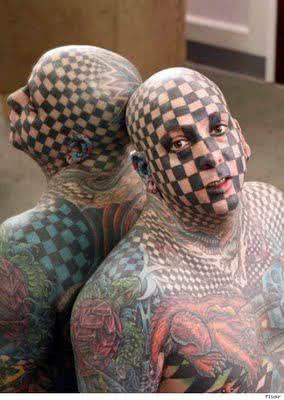 Tatuagem no corpo inteiro