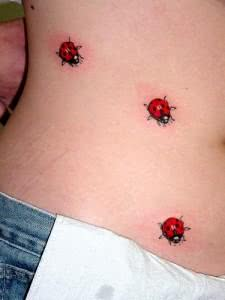 Tattoo de joaninha
