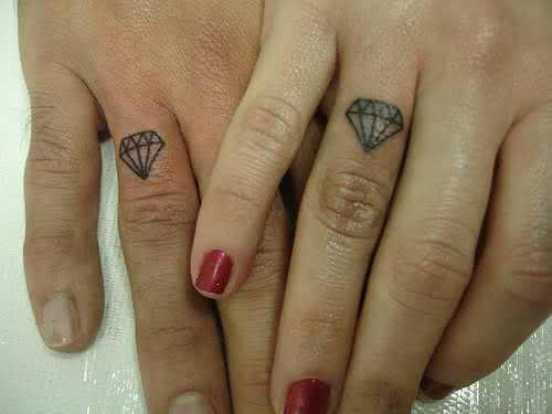 tatuagem-diamante-dedos-8