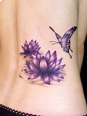 Tatuagem de flor de lótus com borboleta