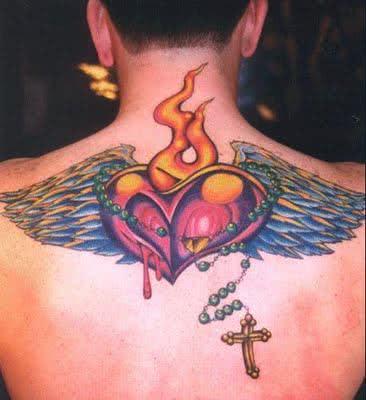 Foto de tatuagem nas costas