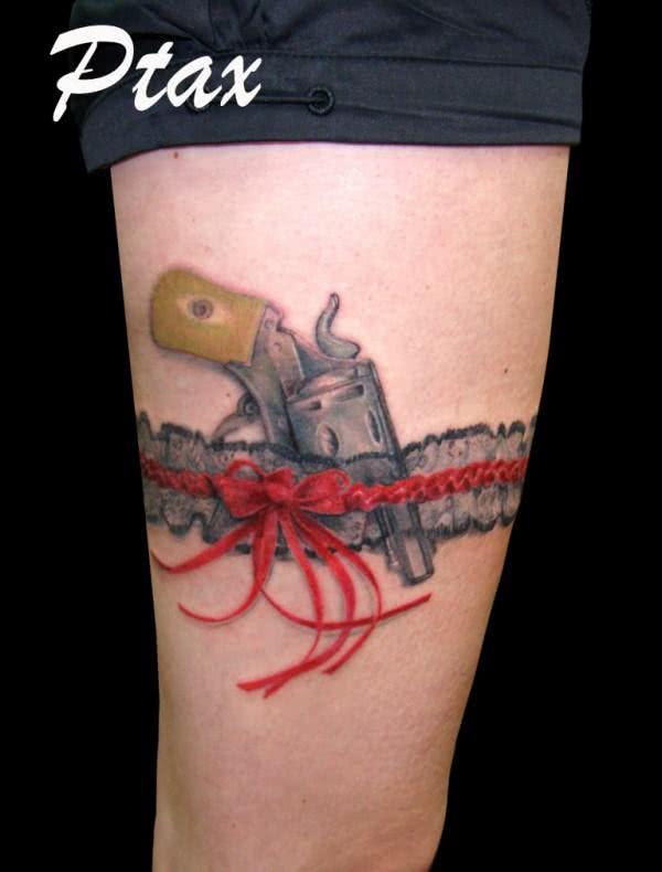 Tatuagem na coxa em 3D