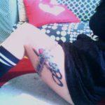 Coxas tatuadas: desfile a sensualidade das tatuagens no verão!