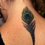 Nuca, um discreto local para tatuagens – veja fotos