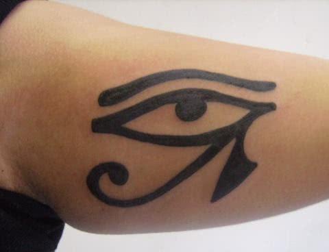 tatuagem-olho-de-horus-braco-2