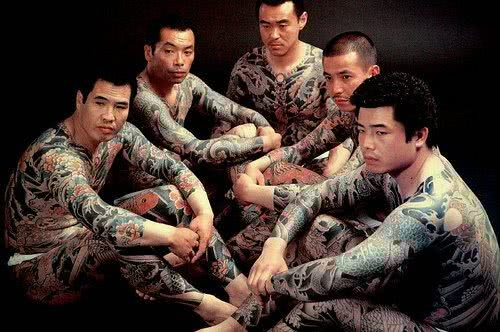 Tatuagens por todo o corpo, estilo yakuza